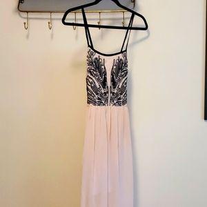 Like new gorgeous peach tone maxi dress